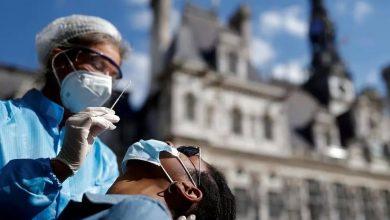 صورة فرنسا: عدد الإصابات بفيروس كورونا يتخطى 30 ألفا خلال 24 ساعة في رقم قياسي جديد