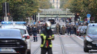 صورة فرنسا ترفع التأهب الأمني إثر مقتل 3 أشخاص بعملية طعن في نيس