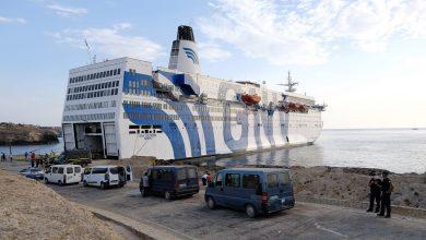 """صورة 300 مغربي عالق بميناء """"سيت"""" الفرنسي وتعليق الرحلات البحرية بين المغرب وفرنسا"""