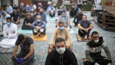 صورة مساجد فاس تفتح أبوابها لصلاة الجمعة بعد شهور من الإغلاق